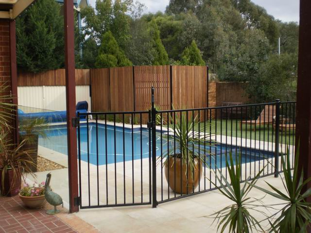 Pool fencing options - Pool fence landscaping ideas ...