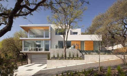 Breathtaking Solar Home by Dick Clark Architecture