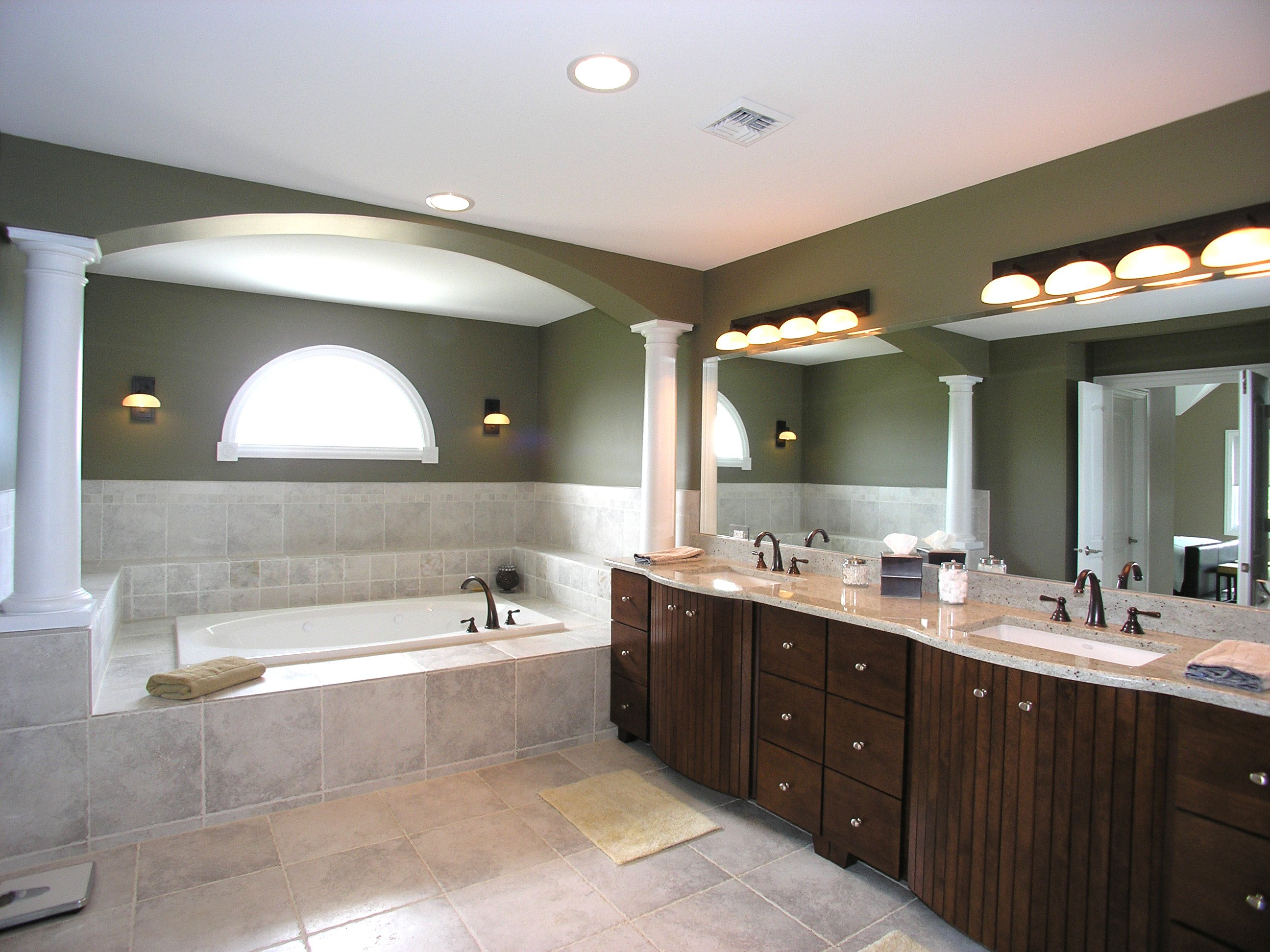 The different styles of bathroom lighting for Master bathroom designs