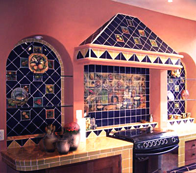 Using Blue Kitchen Decor in a Spanish Style