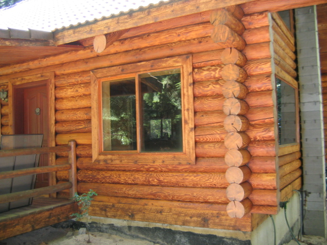 Log home exterior stain colors cascade 174 clear finish for How to stain log cabin