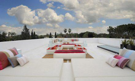 Ultra Modern Minimalist Home in Mediterranean Coast