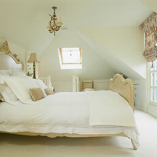 Different styles of french bedroom furniture for French country cottage bedroom ideas