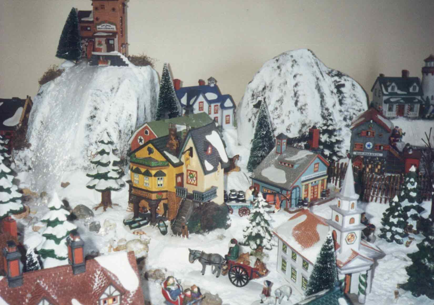 2 Ceramic People Village Christmas Village People Ebay