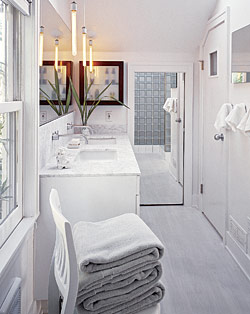 Practical Bathroom Ideas for Small Spaces and Cheap Budgets