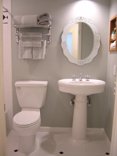 there are a lot of good bathroom designs for small spaces