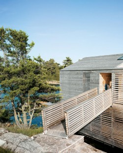 floating-house-integrated-boathouse-dock-5