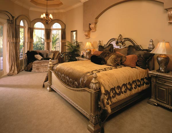 Master bedroom decorating ideas for Master bedroom bedding ideas