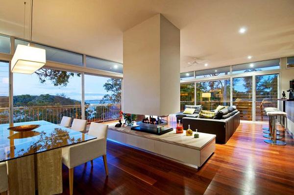 Peaceful Bay Home In Australia Shoreline