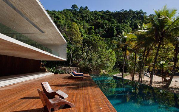 Calming Contemporary Beach House in Brazil