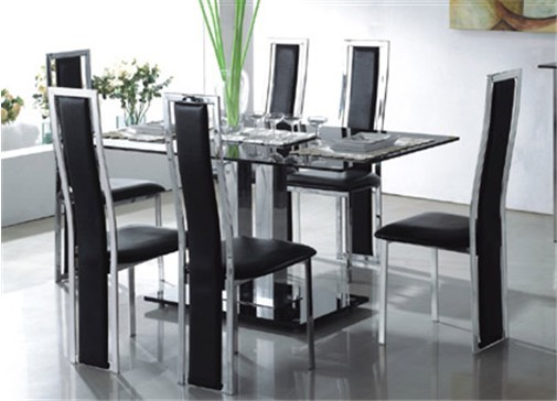 the advantage of having glass dining tables