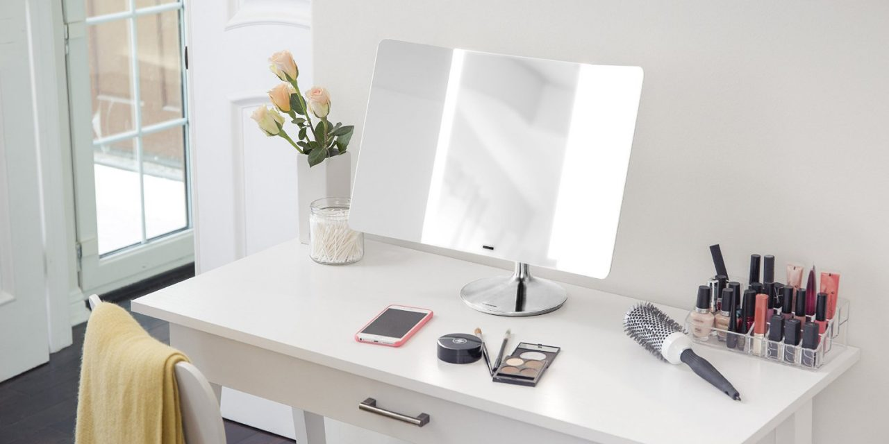 7 Best Lighted Makeup Mirrors For